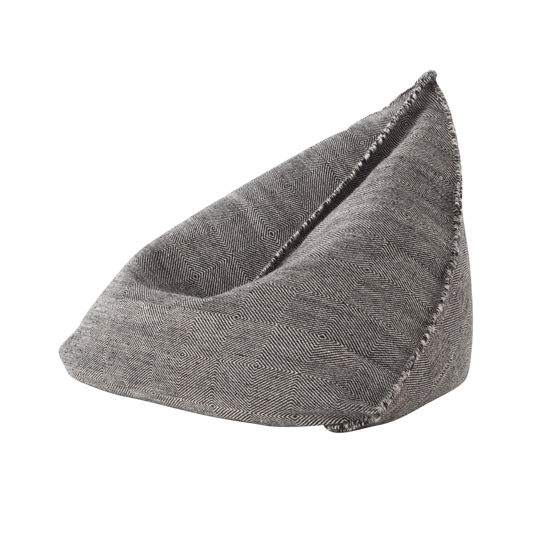 GAN - Sail Gan Spaces Pouf/Sitzsack - schwarz/Handknüpftechnik: Dhurrie/Füllung: Polystrol/100x110x120h cm   Wohnzimmer > Hocker & Poufs > Poufs   GAN